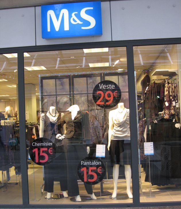 Les promotions dans le secteur du textile : les prix ronds M&S