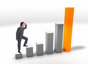 Les enjeux de la fonction Marketing ont évolué depuis 2000 avec l'avènement d'internet. Les budgets Web sont en constante progression et les équipes Marketing se professionnalisent autour du web marketing : nouveaux business modèles, multitudes de nouveaux usages et donc nouvelles fonctions.