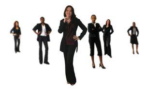 """Le marketing classique s'organise autour d'emplois types et lLa chasse de profil est rare... à quelques exceptions près. Alors, comment s'effectue la recherche de nouveaux profils et talents et quelle place pour les candidats """"outsiders"""" ?"""