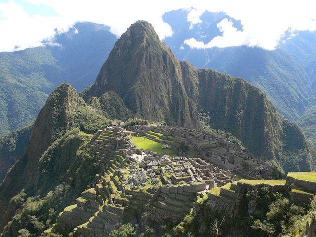 Accès au Machu Pichu au Pérou : les tarifs du train atteignent les sommets. Découvrez un monopole européen en territoire Inca !