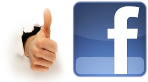 """Le comportement des fans de marque sur Facebook : une vision idéalisée ? Les fans cherchent-ils réellement à créer une relation privilégiée avec les marques ? Facebook n'est pas un """"outil miracle"""" pour les marques, mais un support conversationnel et promotionnel."""