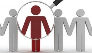 """Avec des critères très précis, les entreprises peinent à recruter les cadres expérimentés qui seront leurs futurs dirigeants. Les cabinets de recrutement, les chasseurs de têtes ou les conseils mettent parfois en avant des """"profils atypiques"""" et une sécurisation de l'intégration du candidat, afin de faciliter la mobilité des plus talentueux."""