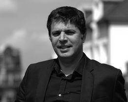 Joël Knafo, Directeur de C'est un Signe (Agence Conseil en Communication et Stratégie de Marque)
