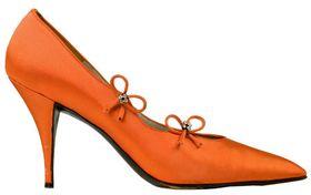 Les sites marchands de vêtements et chaussures attirent chaque mois près d'un internaute sur deux. Les VADistes sont plébiscités par les acheteurs en ligne de textile et chaussures, tandis que de meilleurs taux de conversion sont observés pour les brick and mortar. Le mobile progresse dans les supports d'achat en ligne.