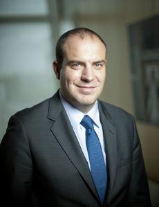 Franck Oniga, Directeur du marché des professionnels, entreprises et institutionnels pour les Banques Populaires