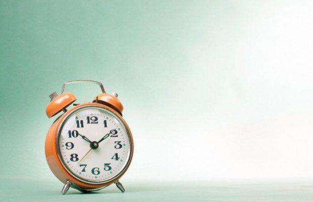 Quand, quels jours et à quelles heures publier sur les réseaux sociaux Facebook, Twitter et Pinterest ?