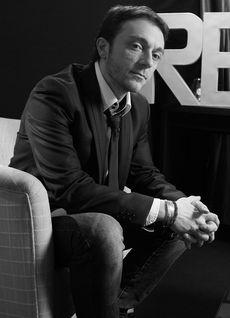 Stéphane Favereaux, Digital Strategist, rédacteur, Brand Content Manager, formateur en communication. Chronique Radio Le Comptoir Digital. Blogueur sur Comm'Des'Mots