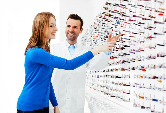 à l'heure du showrooming, repenser le rôle du vendeur point de vente