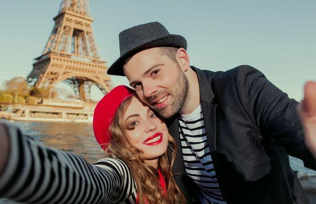 Peut-on réduire la diversité des usages du selfie à un simple défaut de caractère des jeunes adultes et adolescents ?