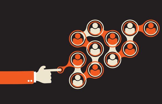 Comment influence et engagement coexistent-ils ? L'engagement entraine t-il l'influence ? L'influence génère t-elle l'engagement ?