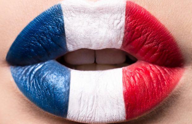 Si communiquer est cohabiter, alors communiquons au travail dans une langue claire et compréhensible par tous, le français, sans la truffer d'anglicismes