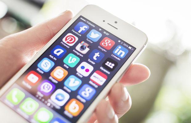 """Revoyez vos jugements sur les réseaux sociaux : ils ne sont pas le pré carré de la jeunesse, permettent créativité, contenu et """"tout social"""" en mode natif"""