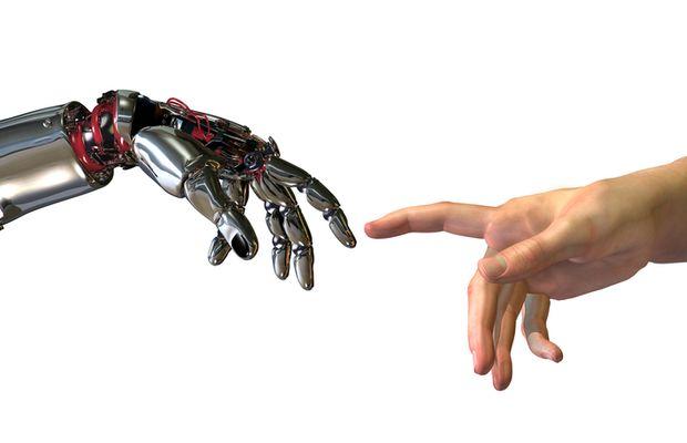 Automatisation des processus des entreprises : de la collaboration entre les hommes et les robots