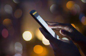 En quoi consiste la fraude sur téléphone mobile ? Avec quels impacts pour les marketeurs ? Quelles solutions et réponses marketing proposer... avec application ?