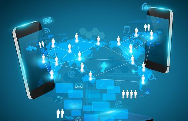 Le RGPD contraint les entreprises à évaluer leurs pratiques en matière de données mobiles et à implémenter des solutions de gouvernance des données pour améliorer l'expérience utilisateur