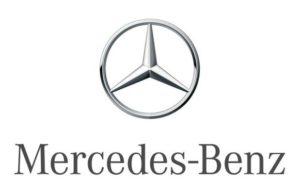 Entre pouvoir du confort, puissance de l'influence, grandeur du symbole, Mercedes ne serait-elle pas à l'automobile ce que les comédies romantiques sont à l'amour